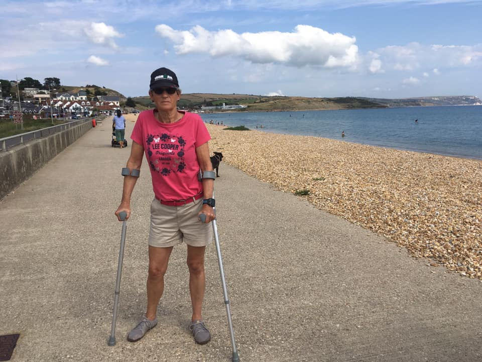 Walking with crutches for 4 weeks